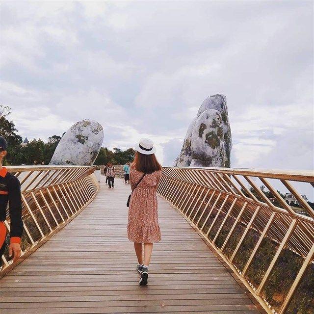 cây cầu vàng siêu đẹp